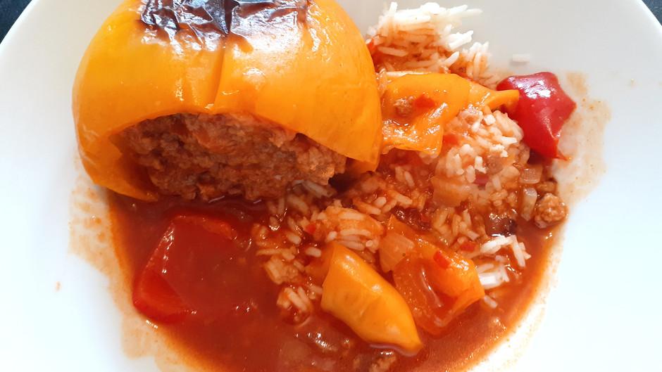 Gefüllte Paprika mit Reis                         (3-4 Portionen)