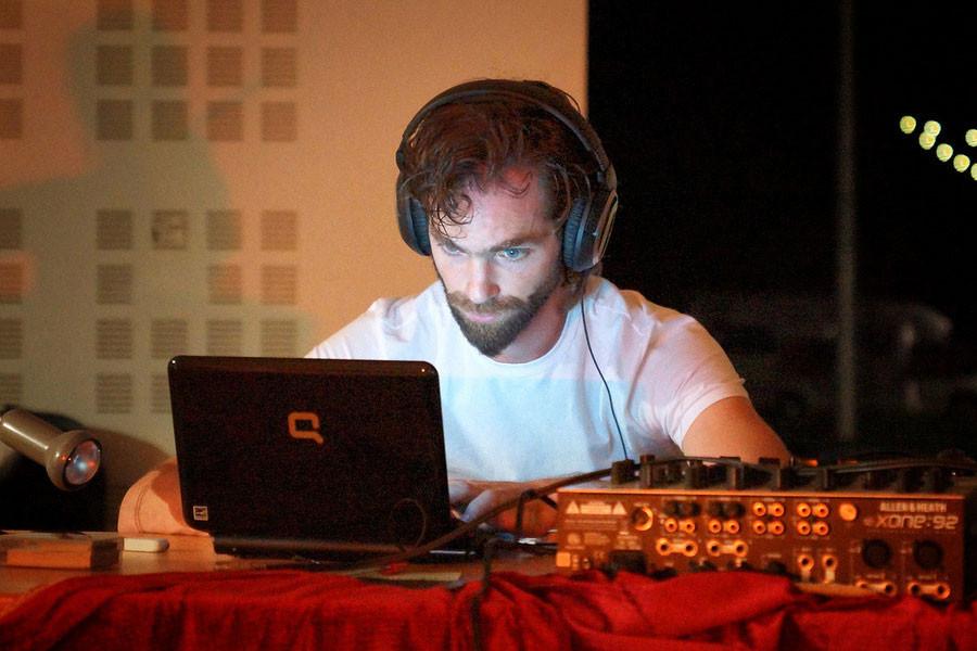 DJ-6.jpg