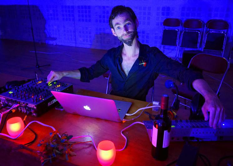 DJ-9.jpg