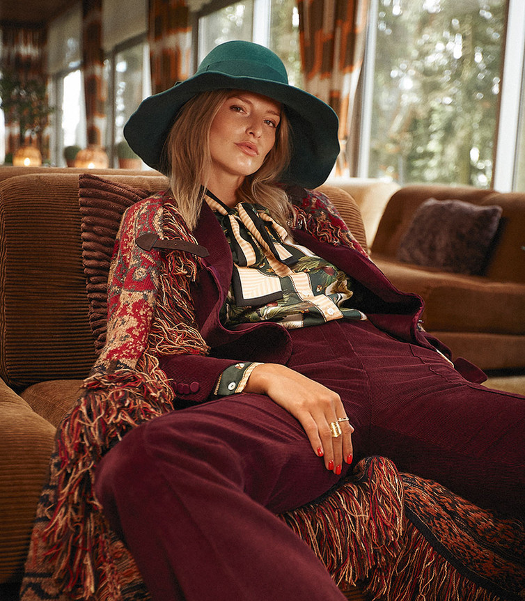 CarinaJahnPhotography_70s_LOfficiel_Fashion_Editorial_12.jpg