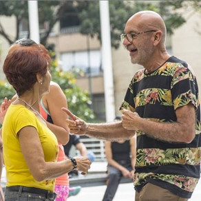 Outdoor dance group brings community for lonely Venezuelans
