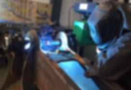 Mobiles-Schweissbohrwerk-im-Einsatz-für-