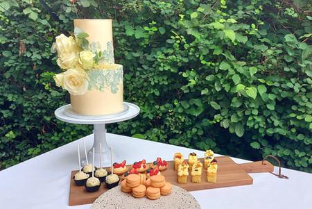 Bruidstaart & sweettable.jpg