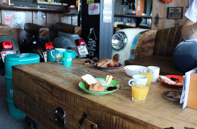 Der Biker Brunch – See-Café in Tüscherz-Alfermée, Bielersee