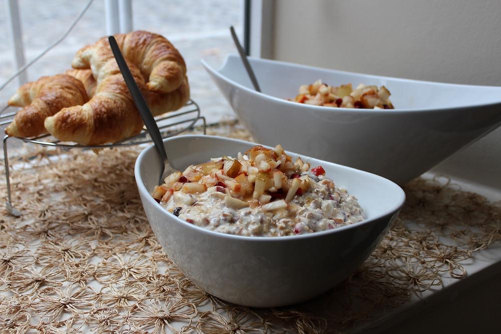 Müesli und Croissants