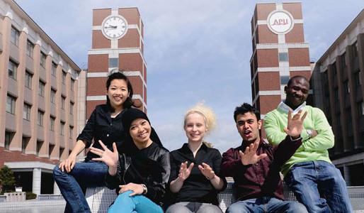 APU alumnus testifies to benefits of study in Japan