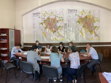 """Reprezentanții DGAURF și """"CHIȘINĂUPROIECT"""" au discutat despre elaborarea a două PUZ-uri"""