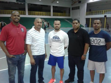 El Presidente y Director de la Liga Puertoriqueña visita a los Explosivos TNT de Moca.