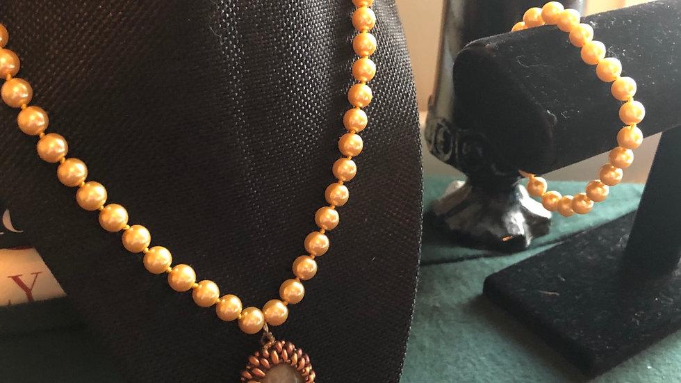 Ayakoya Pearls Bracelet and Necklace Set
