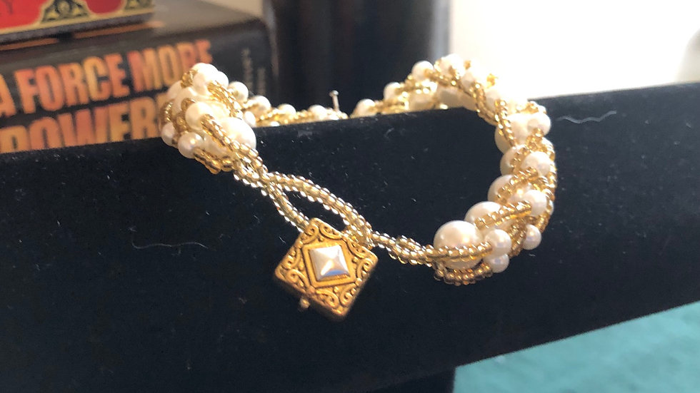 Pearl and Gold Bead Bracelet