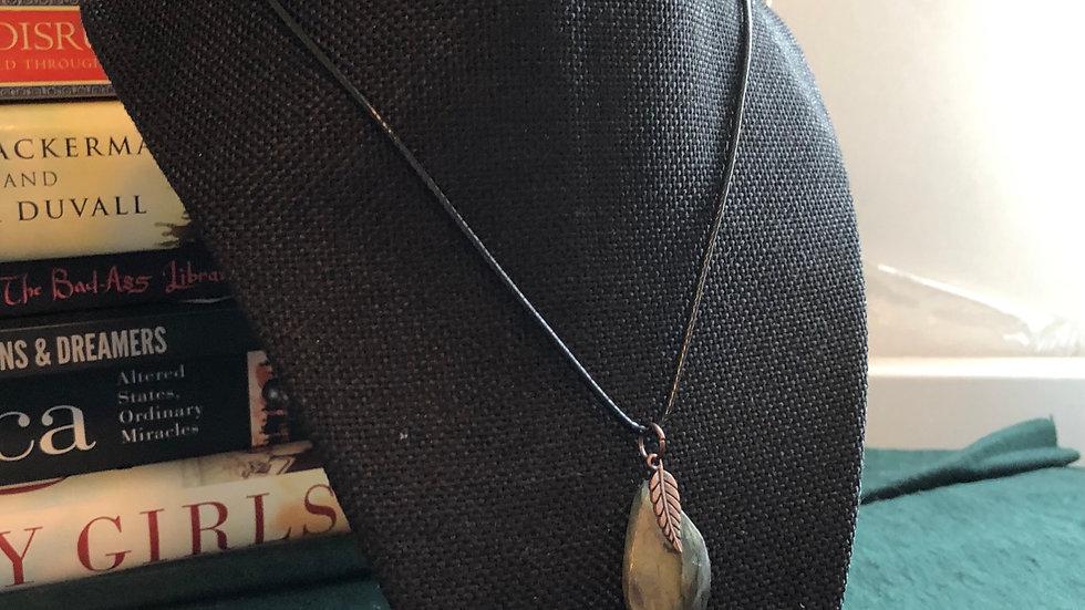 Labradorite Pendant with Feather Neckalce
