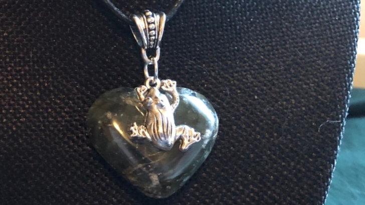 Frog on Ocean Jasper Heart