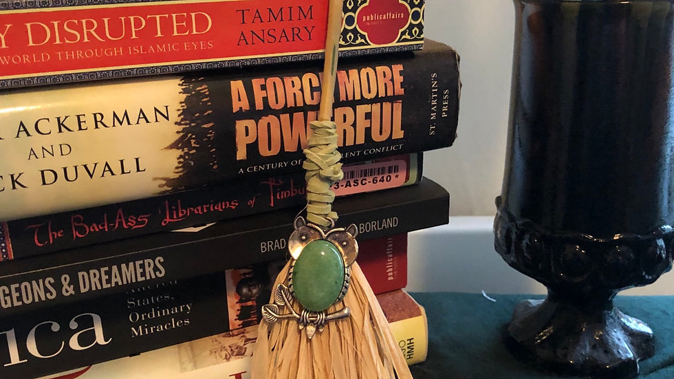 Sway Hand Broom with Green Dragon Vein Agate