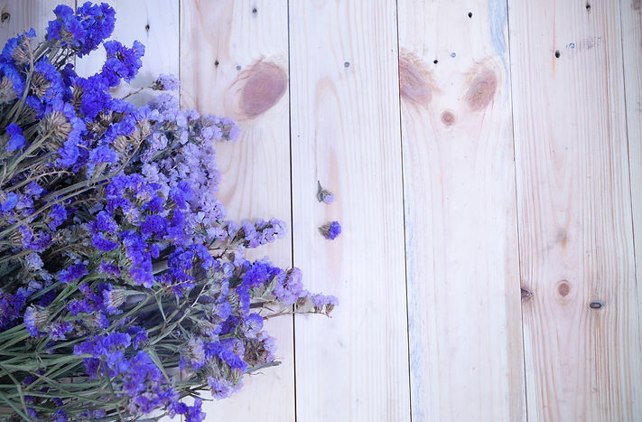 flowers-lavender-top-view-wooden-planks-