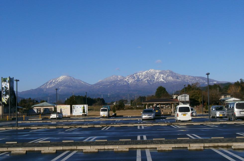 11.27初雪日光連山1a.JPG