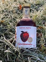 Kylmäpuristettu aromikas mansikkamehu Suonenjoelta