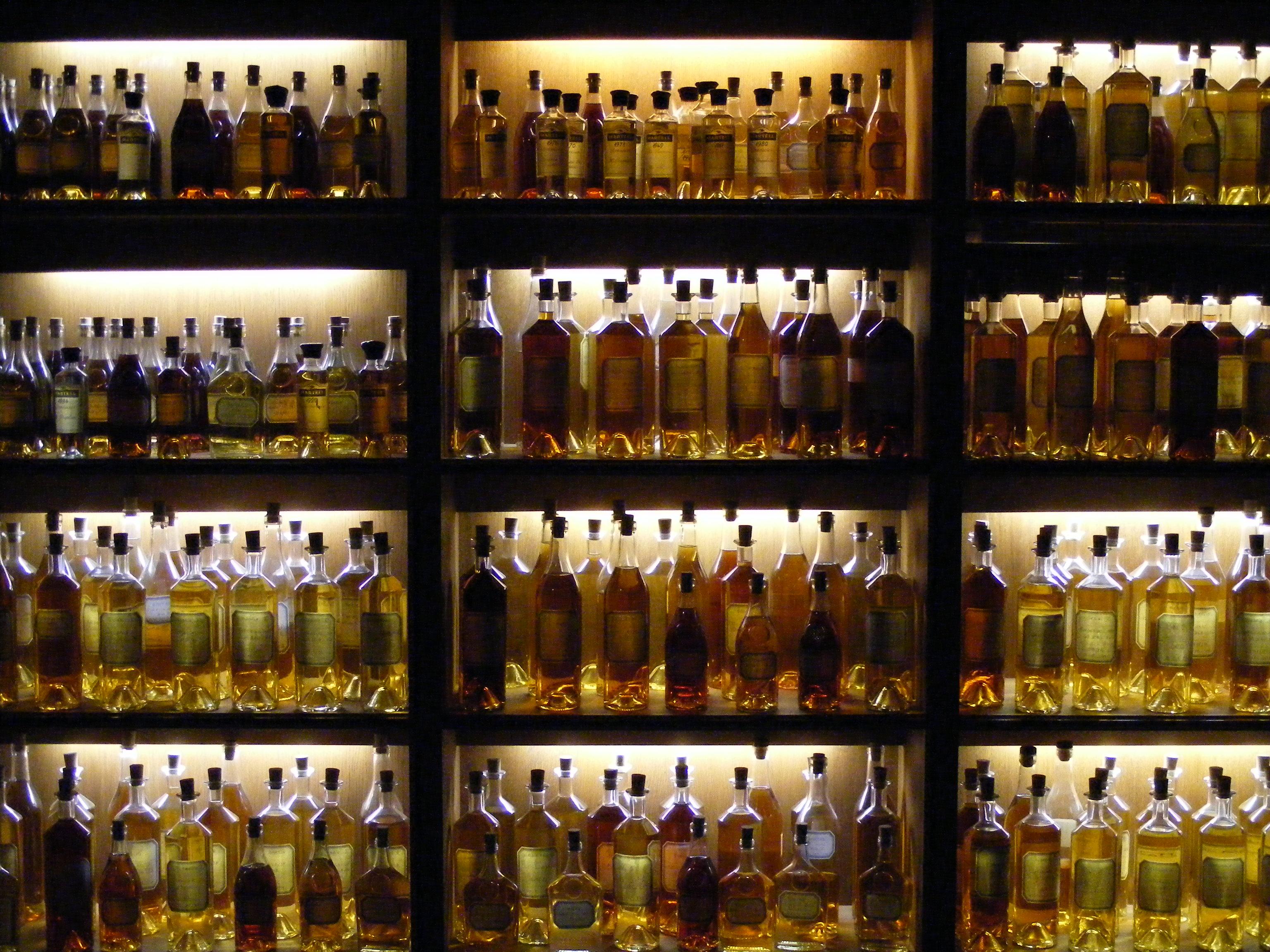 Armoire, Martell, Cognac