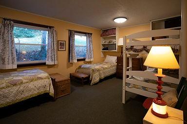 bunkbed room.jpg