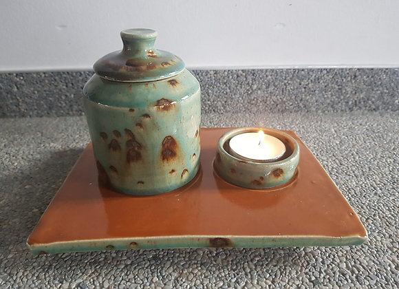 Kleine urne met plaats voor theelichtje