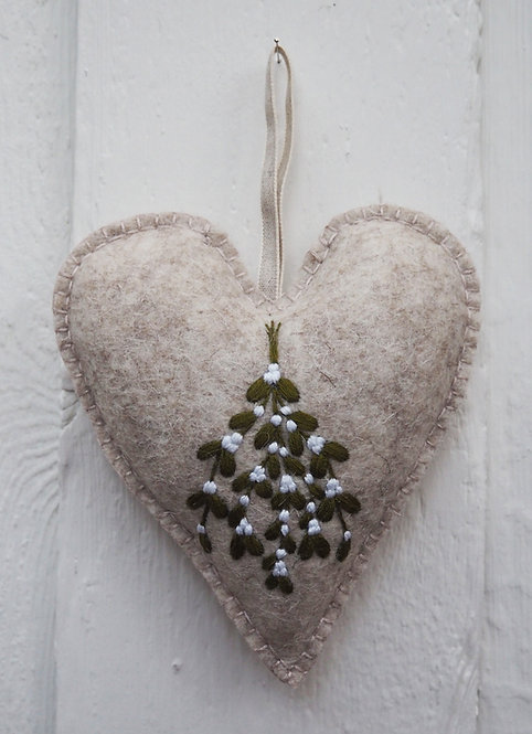 Belle Heart Embroidery Kit