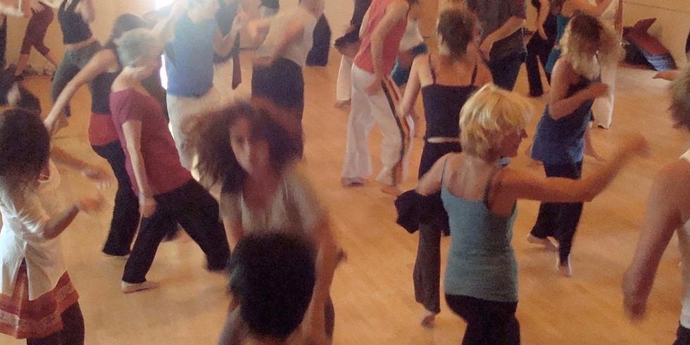 WEEKEND WAVES Saturday Dance