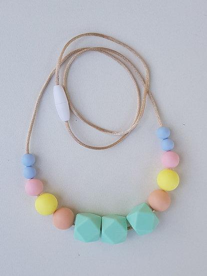 Colar Amamentação Formas Candy Colors