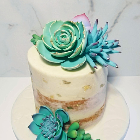 Gorgeous Succulent Mini Elopement Cake