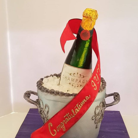 Champagne Cake - ALL EDIBLE!