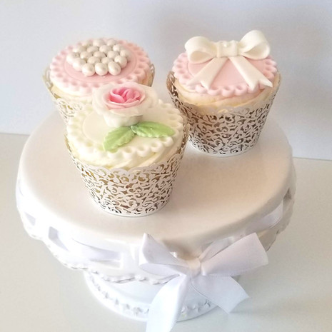 Victorian Cupcakes for a Beautiful 90 Year Old Lady