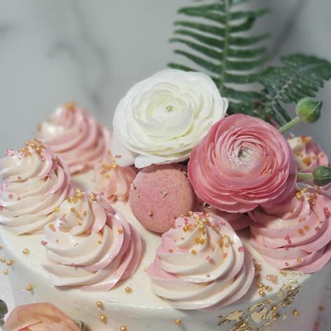 Close Up of Floral Smash Cake