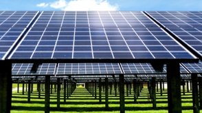 The Troubling 'Tactics' Politicians Are Using To Attack Rooftop Solar