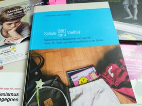 """Vorgestellt: Broschüren """"Schule lehrt/lernt Vielfalt"""""""