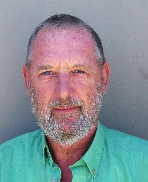 Elwyn Edwards 2011 - Copy.jpg