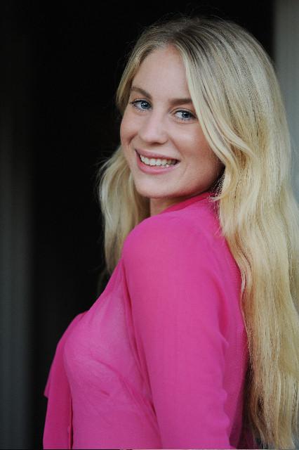 Brooke Silcox Headshot 1.jpg