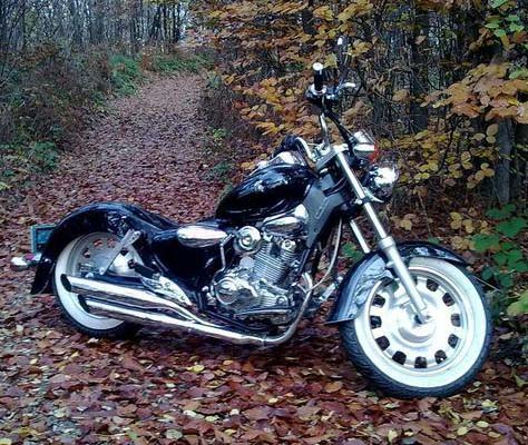 Keeway Superlight 125 in autumn leav