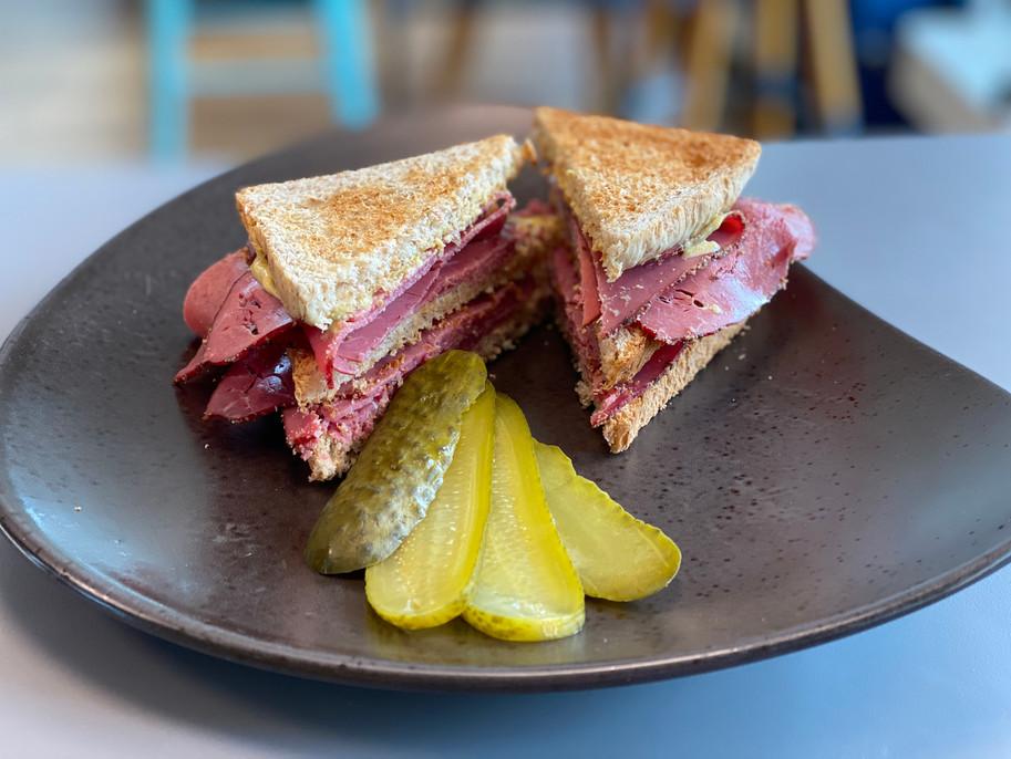 Pastramie Sandwich