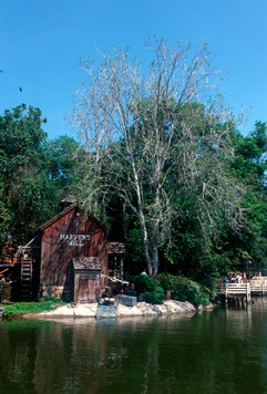 Tom Sawyer Island, Frontierland