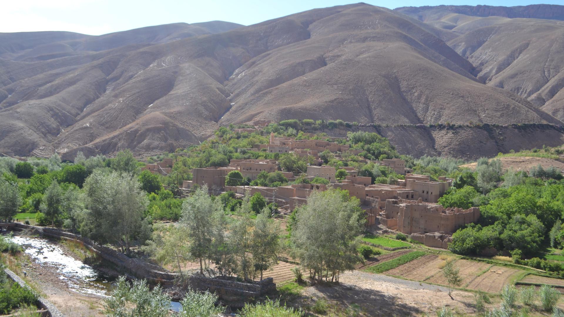 vue sur le vieux village.JPG