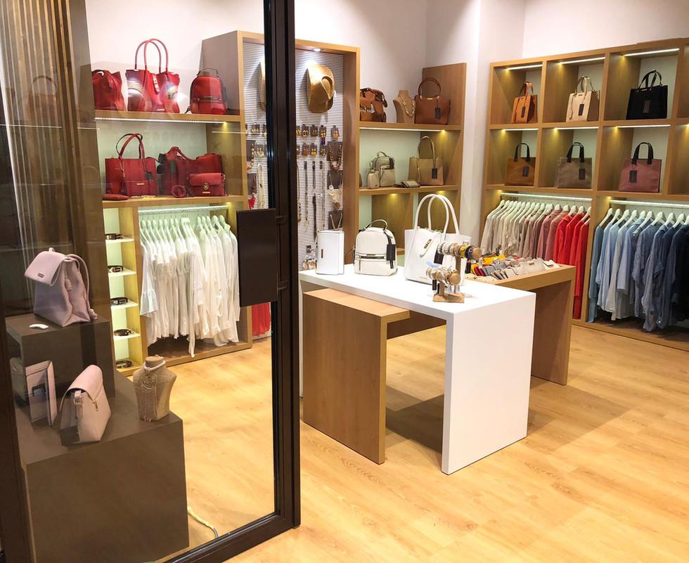 accessorissimo stores - tiendas.jpg
