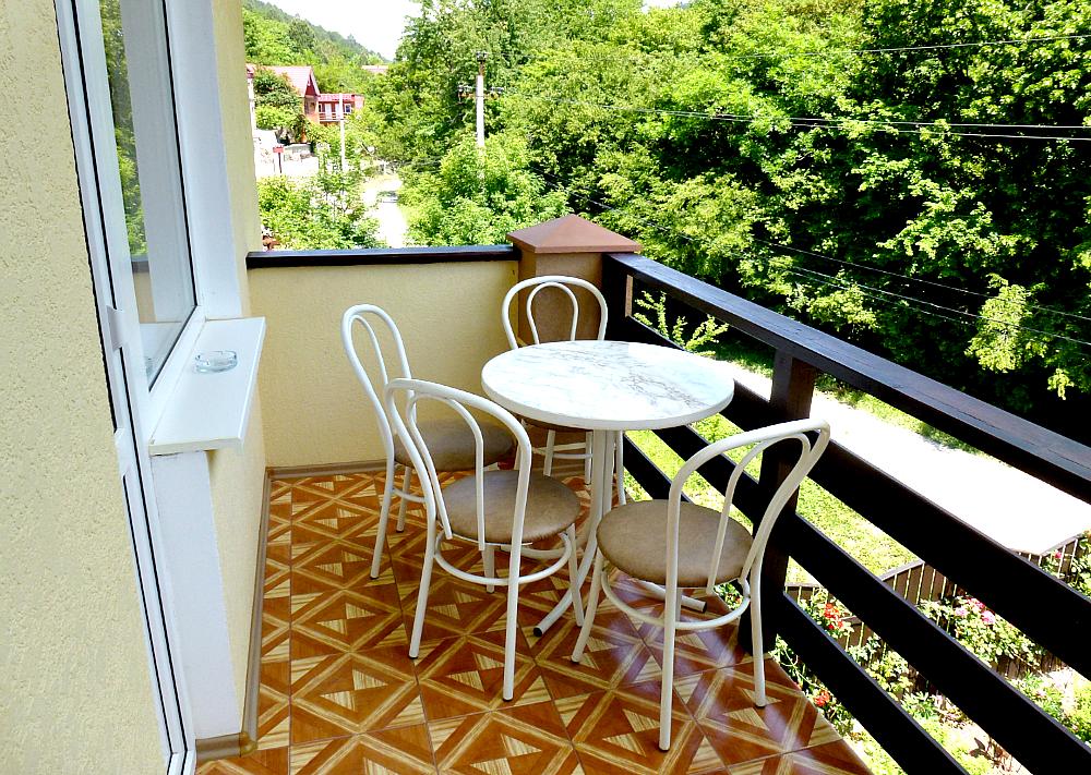 Балкон. Четырехместного номера