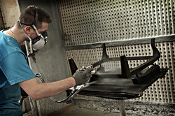 Fábrica de armazones de madera lacada