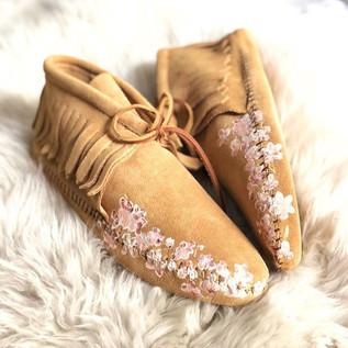 Custom Bridal Moccasins - Free Range Mama Lindsay Stewart