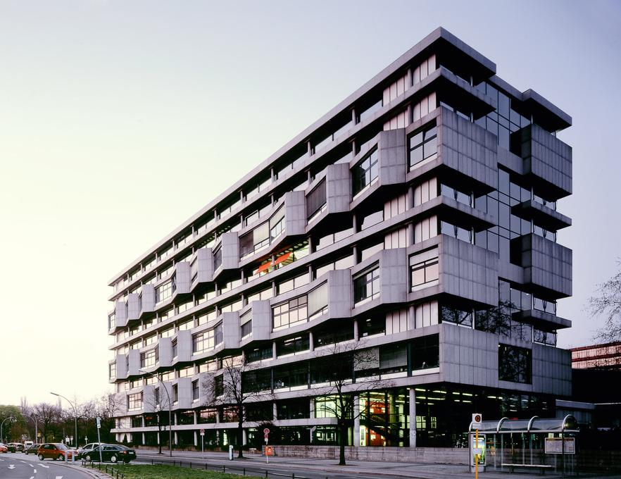 Khoa Kiến trúc