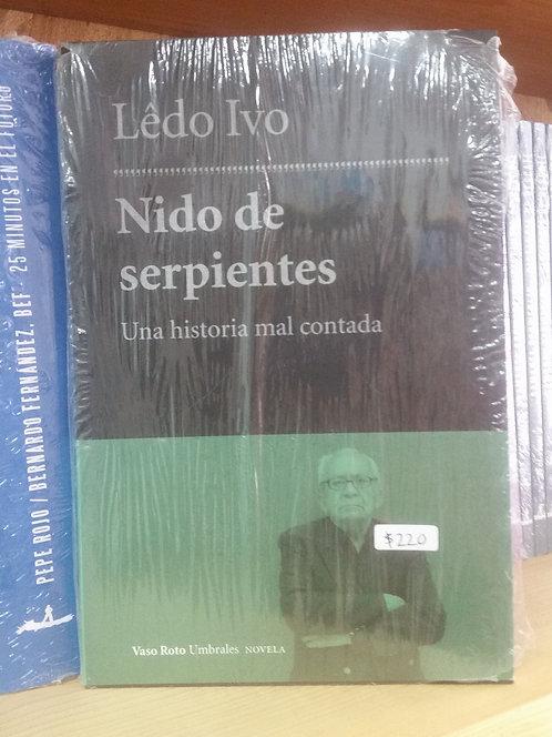 Nido de serpientes/Lêdo Ivo