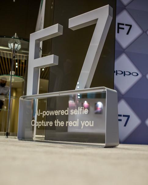 Oppo F7-8595.jpg