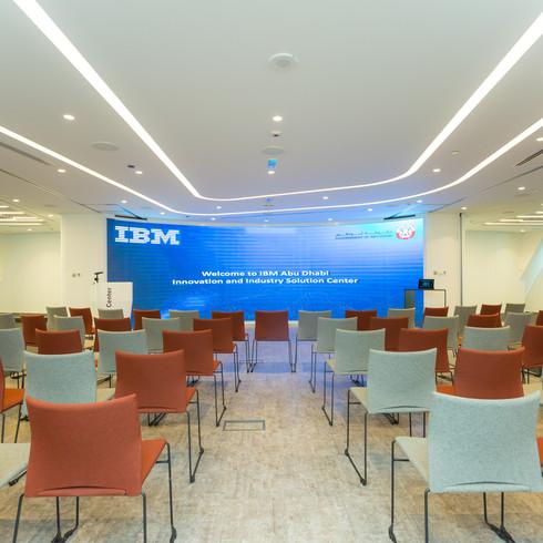 IBM CLIENT CENTER LAUNCH EVENT-2162.jpg
