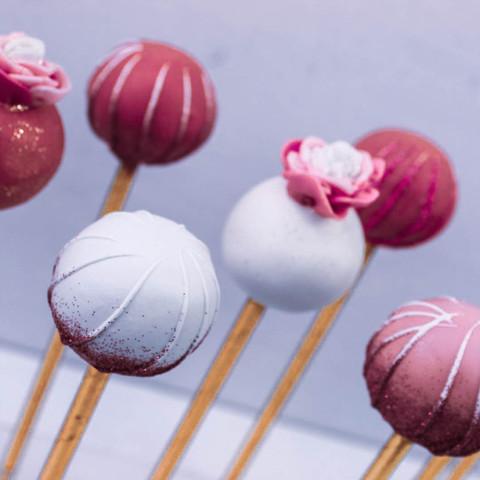 Pink & White Cakepops