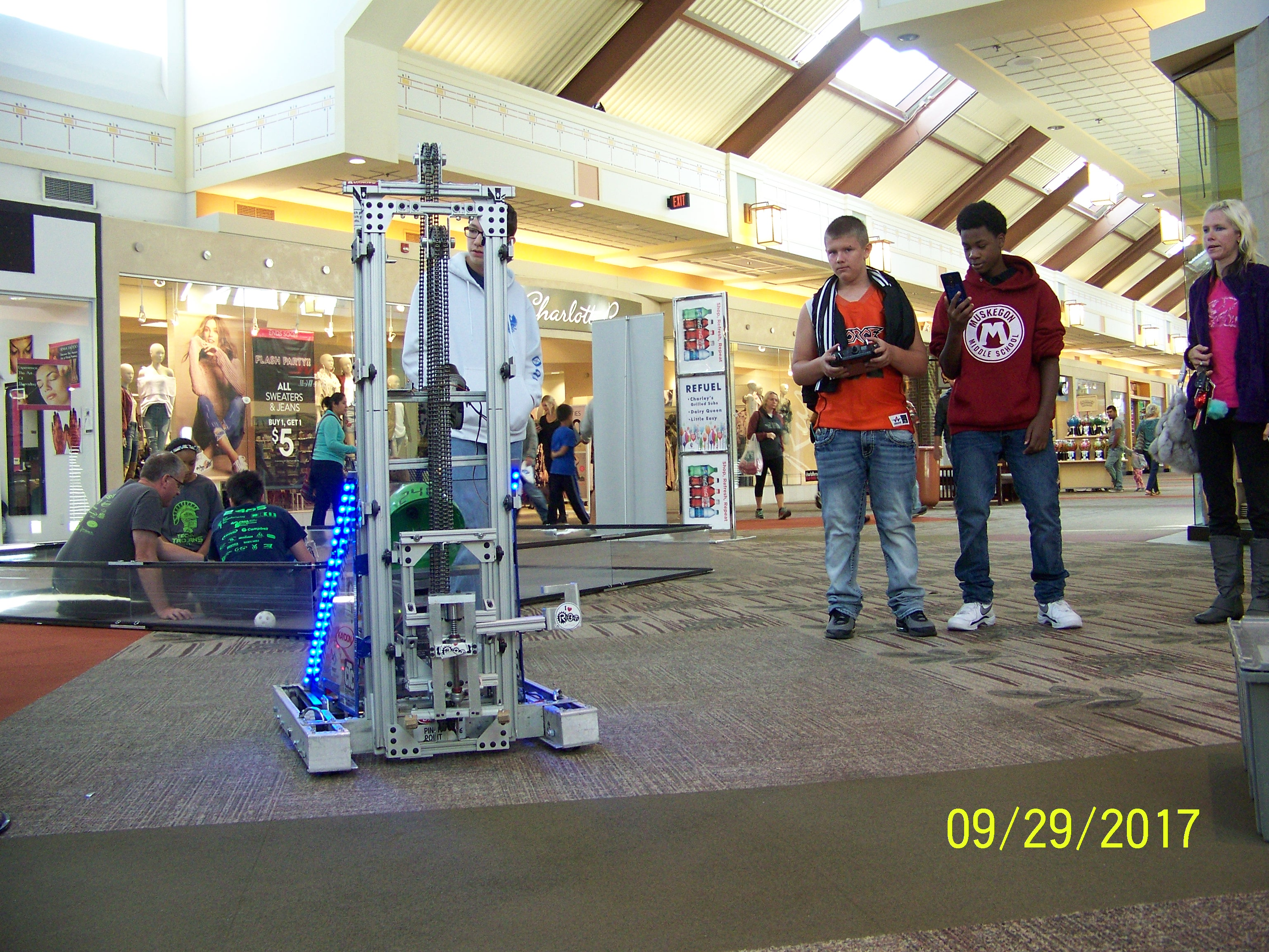 Photo of robots at Robo-Con