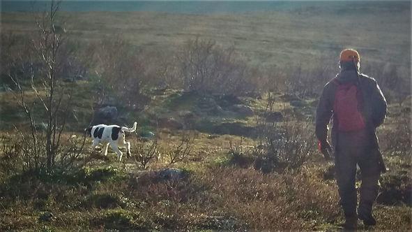 Metsästäjä ja koira.jpg