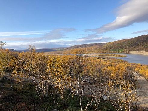 Ruska jokilaaksossa.jpg
